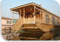 Houseboat in Jammu and Kashmir